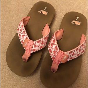 e9f44df8f319 Vineyard Vines Shoes - Vineyard Vines Girls Flip Flops Size 2